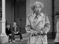 "What time's the gold truck coming through?"" // The Andy Griffith Show // Episode: A Black Day for Mayberry 70s Tv Shows, Great Tv Shows, Good Old Movies, Barney Fife, Don Knotts, Barney & Friends, Tv Icon, The Andy Griffith Show, Classic Comedies"
