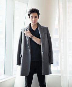 Kwon Yuri, Yoo Ahin, Lee Jaehoon, Shin Sekyung by Min Hyeryoung for W Korea April 2012 Asian Actors, Korean Actors, Lee Je Hoon, W Korea, Kwon Yuri, Korean Star, Normcore, Cast Member, Singer