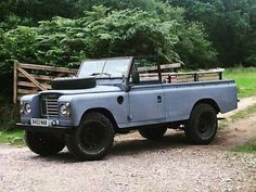 "Land Rover Series Ghost Protocol! Happy Monday! #Landrover 109"" #Series III…"
