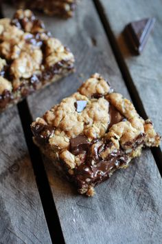 dark chocolate chunk oatmeal cookie bars