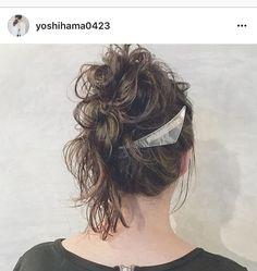 ブーメランバレッタ レースホワイト ご着用くださいました  リポストが たまにできなくなる  こちらは @yoshihama0423  さんにアレンジしていただきました  #ブーメランバレッタ #アクリルバレッタ