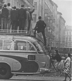 derrière le mur de Berlin