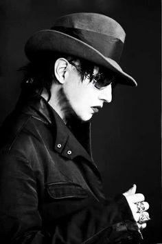 Marilyn Manson...be still my heart.