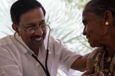 Ez az indiai orvos több mint 2 millió embert gyógyított meg, INGYEN!