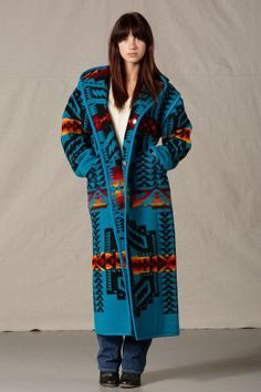 Reversible Long Coat, Womens Native American Wool Coats Source by elisemariephotonz Coat Native American Clothing, Native American Women, Native American Fashion, Native Fashion, Western Outfits, Western Wear, Western Style, Night Street, Pendleton Jacket
