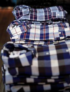Azul, marrón, blanco y rojo , la colección de camisas de tela escocesa por Lander Urquijo / Azul, marron, blanco y rojo, Coleccion de Camisas de cuadros de Lander Urquijo