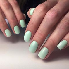 The advantage of the gel is that it allows you to enjoy your French manicure for a long time. There are four different ways to make a French manicure on gel nails. Shellac Nails, Acrylic Nails, Diy Nails, Short Nails, Long Nails, Cute Nails, Pretty Nails, Nagel Hacks, Gel Nails At Home