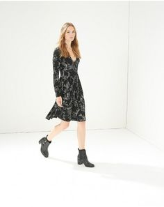 Buy the latest Women's Designer Fashion at Atterley with hundreds of luxury boutique designer brands including dresses, coats, shoes & accessories. Boutique Design, Ladies Dress Design, Knit Dress, Fit And Flare, Designer Dresses, Branding Design, Cold Shoulder Dress, Clothes For Women, Anastasia