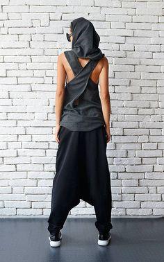 Style urbain décontracté noir maxi Jeans/Pantalons - METP0026 Super cool streetwear pantalon maxi qui est très confortables à porter et à convenir à de nombreux tops et tuniques. Le style est trop grand et lâche qui vous donne plus de confort et de flexibilité. Les pantalons ont un accent avant ainsi que deux poches latérales. Les porter avec des baskets pour un look complet ! Cette pièce est faite de 100 % coton. LORSQUE VOUS PASSEZ UNE COMMANDE, VOUS DEVEZ LAISSER UN NUMÉRO DE TÉLÉ...