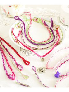 Friendship bracelets to make - Fundraising ideas to make for a fête - Craft - allaboutyou.com