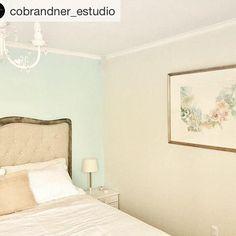 """16 Me gusta, 2 comentarios - Erika Brandner (@ekadeko) en Instagram: """"Femenina habitación diseñada e implementada por @cobrandner_estudio. En la pared un cuadro mío…"""""""
