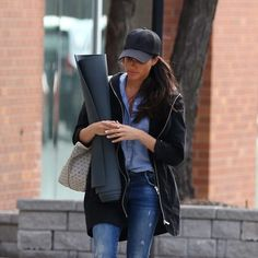 Meghan Markle heading to a yoga class in Toronto on April 13, 2017.