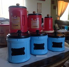 Taking my empty plastic Folgers coffee cans and turn them into beautiful caniste Coffee Creamer Bottles, Folgers Coffee, Coffee Canister, Plastic Coffee Cans, Plastic Plastic, Coffee Can Crafts, Coffee Container, Upcycled Crafts, Mason Jar Diy