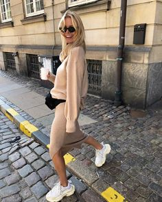 street_style_paris on Poshinsta Autumn Winter Fashion, Spring Fashion, Elegantes Outfit, Fashion Outfits, Womens Fashion, Fashion Trends, Outfit Combinations, Casual Street Style, Mode Inspiration