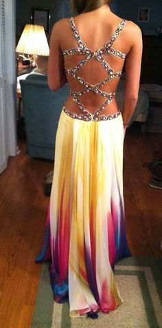 This dress is gorgeous. <3