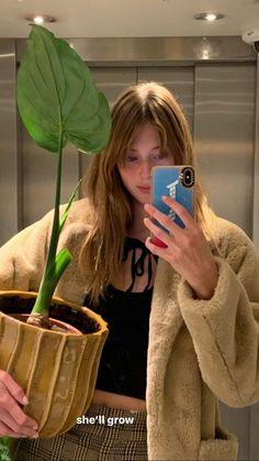 Night Aesthetic, Aesthetic Girl, European Girls, Instagram Story Ideas, Selfie, Photo Dump, Pretty Hairstyles, Hair Inspo, New Hair
