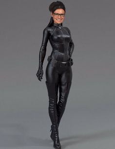 Anne Hathaway pkays Catwoman in The Dark Knight Rises. One day I will have the perfect Catwoman costume. Catwoman Cosplay, Cosplay Gatúbela, Cosplay Girls, Catwoman Suit, Halloween Cosplay, Anne Hathaway Mulher Gato, Cat Woman Anne Hathaway, Anne Hathaway Body, Dc Comics