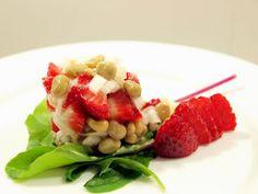 Ensalada de habas, fresas y queso, Receta por Glaç - Petitchef