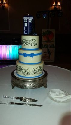Doctor Who Wedding Cake With Silhouette Topper