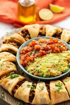 Taco Ring made with Crescent Rolls! An easy appetizer for a crowd!, Beef Taco Ring made with Crescent Rolls! An easy appetizer for a crowd!, Beef Taco Ring made with Crescent Rolls! An easy appetizer for a crowd! Taco Appetizers, Appetizers For A Crowd, Food For A Crowd, Appetizer Recipes, Easy Recipe For A Crowd, Mexican Appetizers Easy, Mexican Dinners, Popular Appetizers, Holiday Appetizers