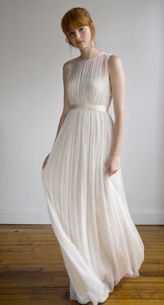 Usually not into white dresses. She looks great in this, wonder if I can pull it off. The next ? would be.. where would I wear it