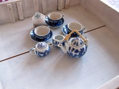 nostalgisches Teeservice für Puppen von GretaunddasRotkaeppchen auf DaWanda.com