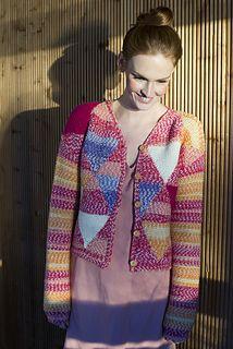 Naisen neuletakki pattern by Sisko Sälpäkivi