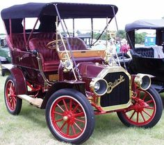 1911 Buick Touring - looks like the car that Jay Arendt bought from Leo Parnagian