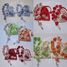 Ateliê Alternativo: *Terços de Fuxico.... Casamento da Carol e Guilhermo* (LMT) Crochet Earrings, Crafts, Ribbon Crafts, Diy And Crafts, Arts And Crafts, Scrappy Quilts, Roller Set, Rosaries, Manualidades