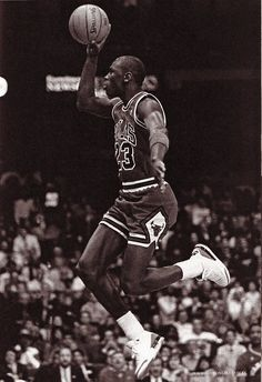 Michael Jordan Free Throw Line Jam Michael Jordan, Mike Jordan, Basketball Legends, Love And Basketball, Jordan Basketball, Basketball Jones, Nba Players, Basketball Players, Zapatillas Jordan Retro