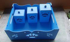 kit higiênico parta meninos , podendo encomendar o kit completo abajur , porta fralda , lixeirinha e caixa para remédios , contate o vendedor .