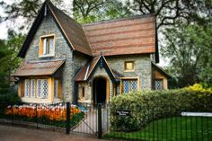 This cottage is on the registry of historical homes as the cottage of the three Bears.