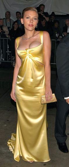 scarlett johansson gowns | Scarlett Johansson in Yellow Dress Photos Fotos Pictures