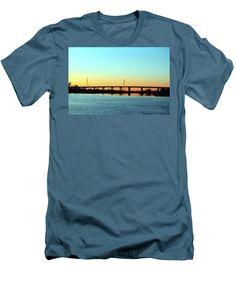 Sunset Men's T-Shirt (Athletic Fit) featuring the photograph Thomas Rhodes Bridge by Cynthia Guinn