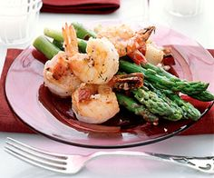 Spring means asparagus. This salad use fresh asparagus along with orangemarmalade, walnuts and coconut to create a flavor sensation. The dressing is slightly thick with a sweet tangy flavor. In a blender, combine mustard, marmalade, red wine vinegar and oil. Blend until emulsified. Add the shrimp to a pot of simmering water and cook until […]