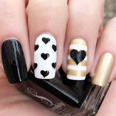Are you hunting for unique yet pretty spring nails designs? When it comes to stand out in the crowd, every finger counts! From sideways tipped nails to Pretty Nail Designs, Nail Designs Spring, Nail Art Designs, Nails Design, Heart Nail Art, Heart Nails, Nagellack Trends, Super Nails, Holiday Nails