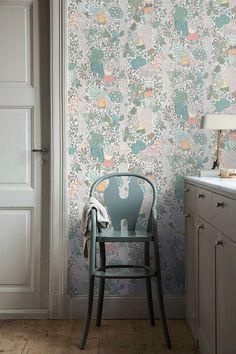The wallpaper pattern Charlie from Boråstapeter Kids Wallpaper, Pattern Wallpaper, Wall Paper Decor, Inspirational Wallpapers, Big Girl Rooms, Scandinavian Design, Kids Bedroom, Design Inspiration, Interior Design