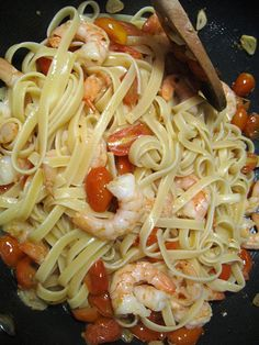 Fettucine With Shrimp and Grape Tomatoes