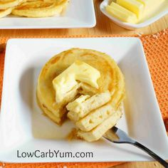 Low Carb Coconut Flour Pancakes – Gluten Free via @lowcarbyum