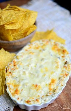 Chicken Enchilada Verde Dip from willcookforsmiles. Recipes Appetizers And Snacks, Yummy Appetizers, Appetizers For Party, Dip Recipes, Chicken Recipes, Party Dips, Recipe Chicken, Desserts, Dressings