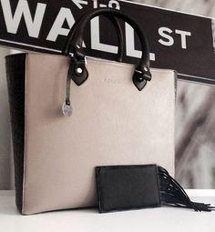 NIESPODZIANKA! Przez cały tydzień do każdej zamówionej torebki nonou etui Iman GRATIS! www.nonou.pl *promocje nie łączą się #nonou #bags #gift #prezent #boho #leather #etui #telefon #iphone #iman #gratis #torebka #naomi #blackandwhite #gray #aligator #together #better #create #design #projektowanie #polishbrand #fashiolover #warsaw #warszawa