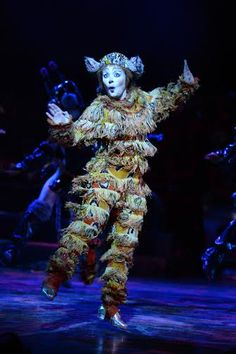 Production images by Alessandro Pinna: Starring Nicole Scherzinger as Grizabella in Andrew Lloyd Webber's CATS at the London Palladium West End UK. Theatre Costumes, Cat Costumes, Dance Costumes, West End Theatres, Jellicle Cats, Johnny Mathis, Cassie Clare, Cats Musical, Maite Perroni