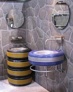 Pia de banheiro com pneus >>> http://artesanatobrasil.net/10-ideias-malucas-artesanato-reciclagem/