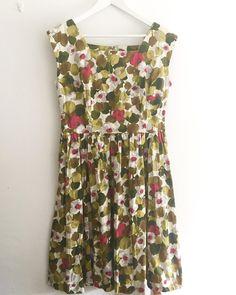 New product ruby redwhite flower printed dress #fab.#vintagefashion #vintageclothing #1950s #ヴィンテージ #ビンテージ #ヴィンテージファッション#ヴィンテージドレス#ヴィンテージワンピース#花柄ワンピース