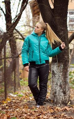 Very puffy pants, I like them Nylons, Winter Suit, Womens Wetsuit, Plastic Pants, Rain Gear, Puffy Jacket, Snow Suit, Winter Outfits, Ski Outfits