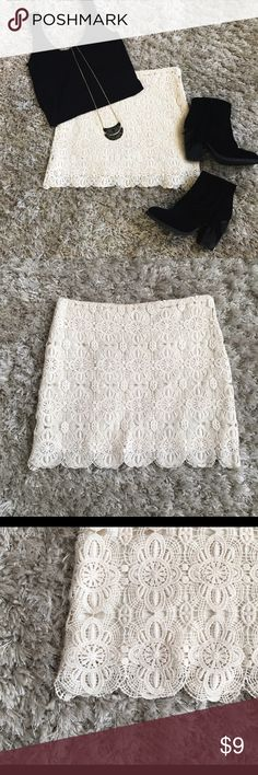 Lace Skirt Cream colored skirt with beautiful lace detail, fully lined with a side zipper and hook closure runs a little small, never been worn!                                  No Trades                                                                    All offers considered Forever 21 Skirts Mini
