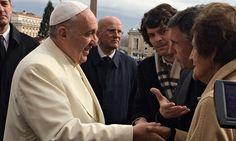 Pope Francis meets Philomena Lee and Steve Coogan