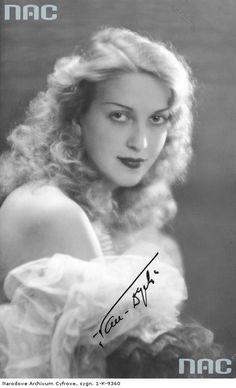 Tamara Wiszniewska Interwar Period, Pre Code, Classic Hollywood, Cinematography, Role Models, Movie Stars, The Past, Hair Beauty, Actresses