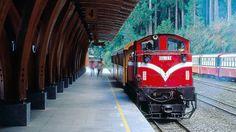 台湾に行ったら絶対乗りたい「世界一の山岳鉄道」 | TABI LABO Light Rail, Taipei, Train, World, Places, Vacations, Holidays, Vacation, The World