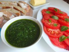 Aneta Goes Yummi: Pesto z medvedieho cesnaku s domácou ciabattou
